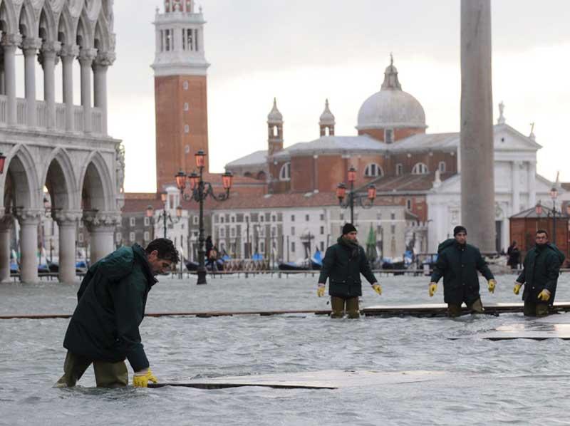 Πνίγεται η Βενετία