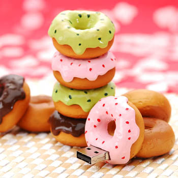 http://www.otherside.gr/wp-content/uploads/2009/03/realistic-usb-flash-drives-donut-02.jpg