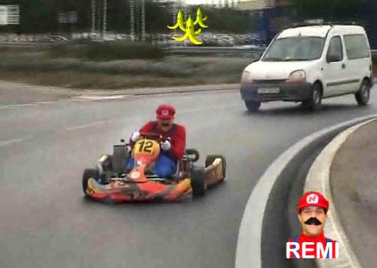 Ο Remi Gaillard στους δρόμους ως... Mario Kart