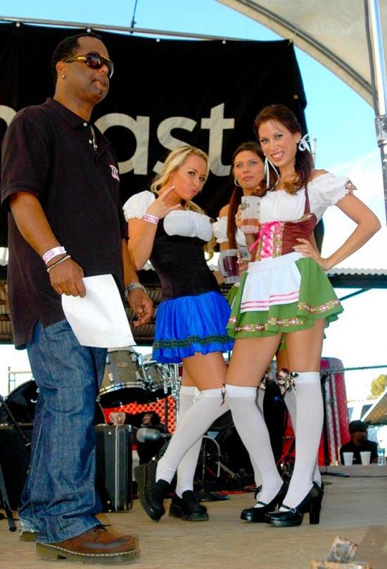 Oktoberfest 2009 Babes