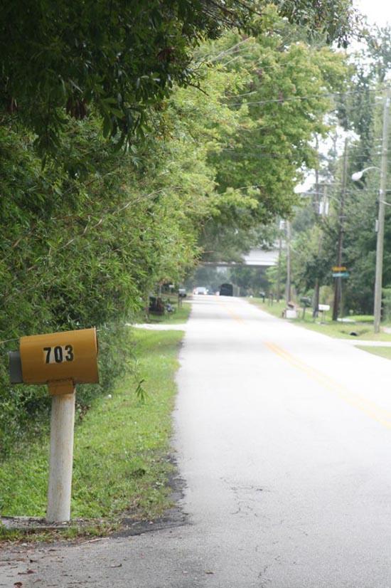 Grand Cherokee vs Mailbox