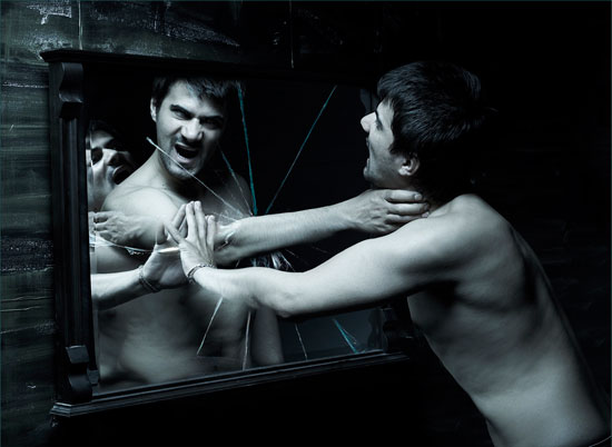 Καθρέφτες: Μύθοι & Προκαταλήψεις