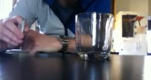 Εντυπωσιακό κόλπο με καπνό τσιγάρου (Video)