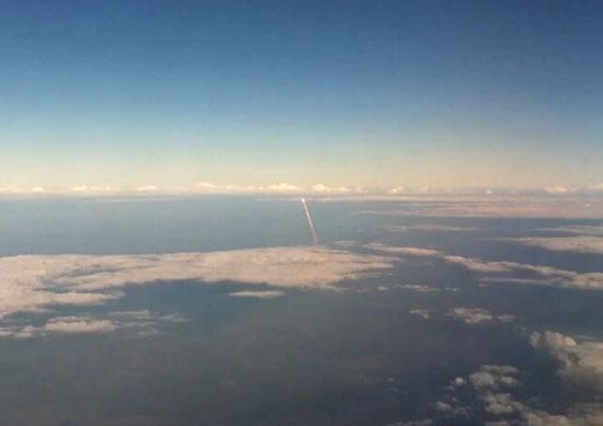 Εκτόξευση διαστημόπλοιου όπως καταγράφηκε από αεροπλάνο