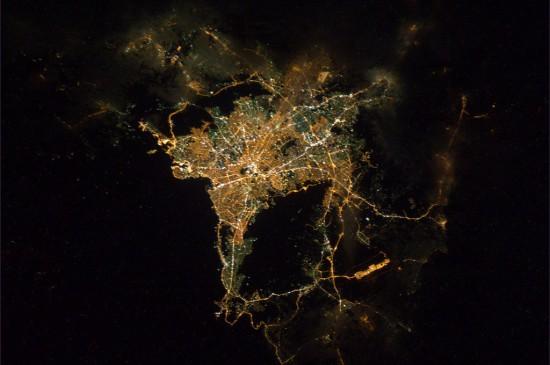 Φωτογραφία της ημέρας: Η νυχτερινή Αθήνα από το διάστημα