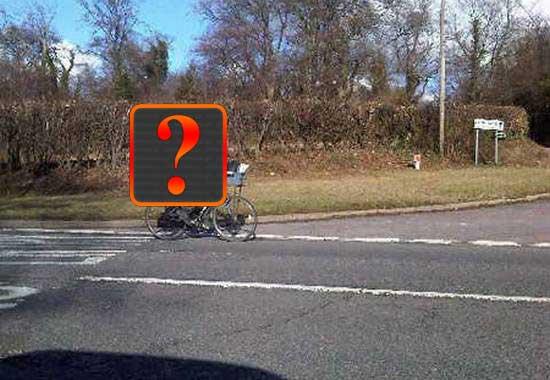 Τι κουβαλάει πάνω στο ποδήλατο; (1)