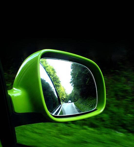 βλέποντας από τον καθρέφτη (17)