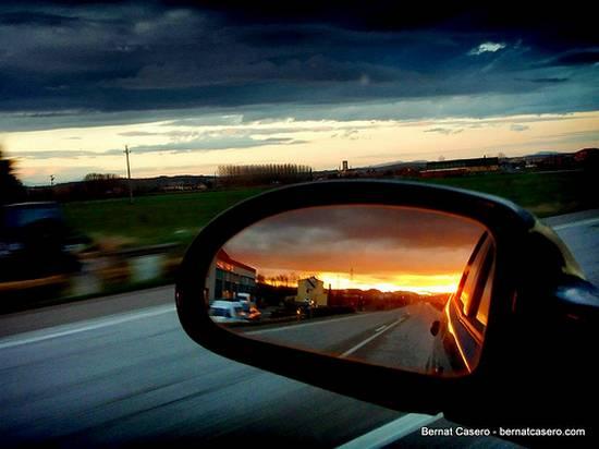 βλέποντας από τον καθρέφτη (16)