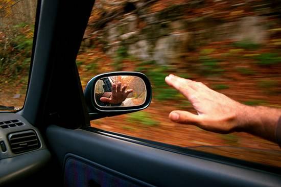 βλέποντας από τον καθρέφτη (11)