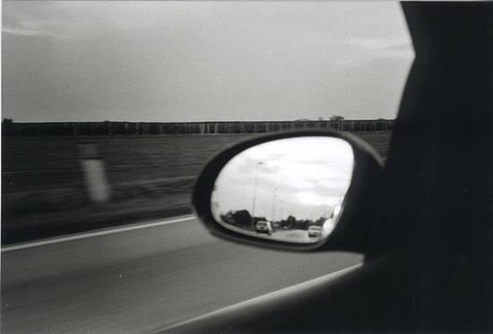 βλέποντας από τον καθρέφτη (10)