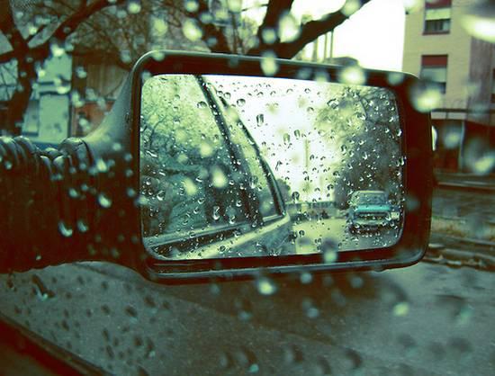 βλέποντας από τον καθρέφτη (8)