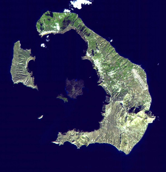 Φωτογραφία της ημέρας: Το ηφαίστειο της Σαντορίνης από το διάστημα