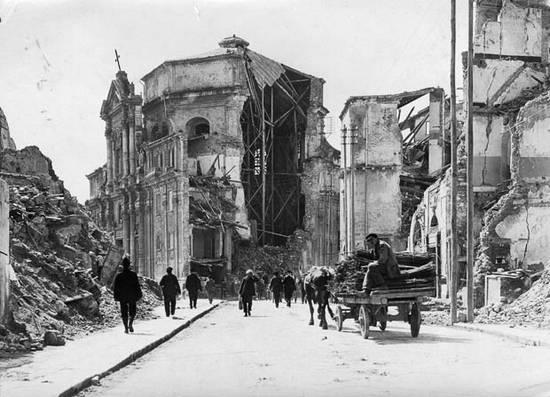 ιστορική αναδρομή σεισμών (10)
