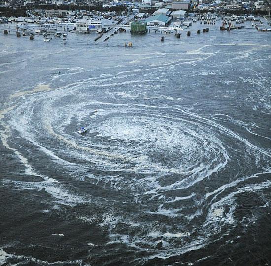 Σεισμός 8,9 ρίχτερ & τσουνάμι στην Ιαπωνία