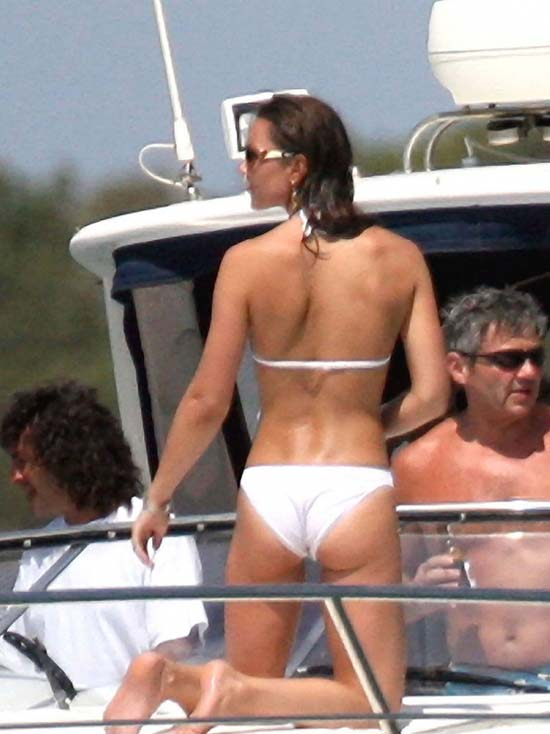 Kate Middleton με bikini (1)