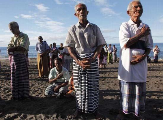Κυνήγι φαλαινών στην Ινδονησία (4)