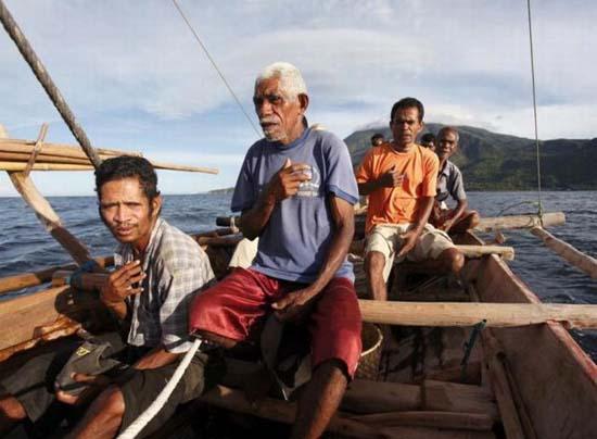 Κυνήγι φαλαινών στην Ινδονησία (9)