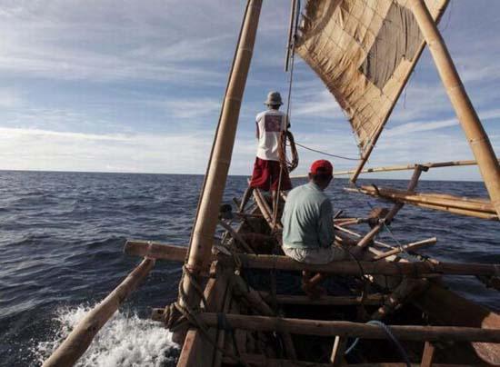 Κυνήγι φαλαινών στην Ινδονησία (14)