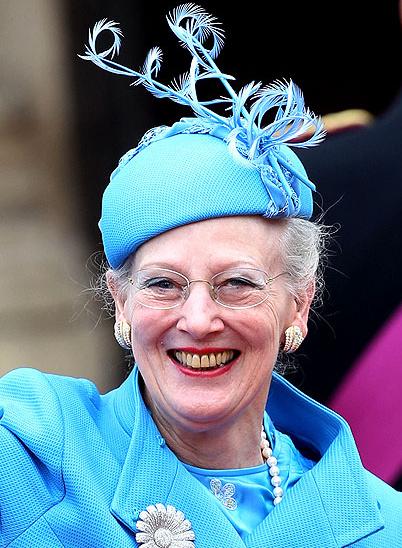Τα πιο παράξενα καπέλα στον βασιλικό γάμο (4)