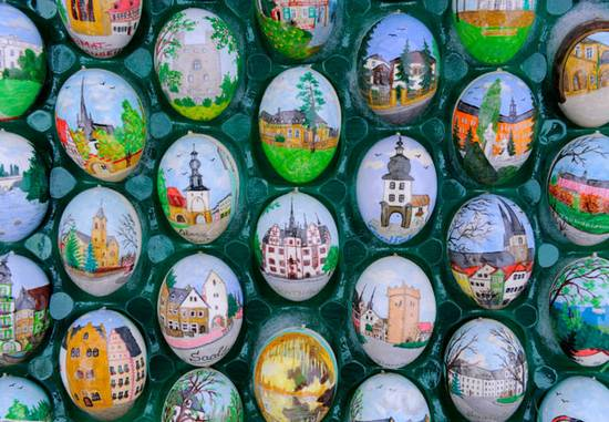Δέντρο με Πασχαλινά Αυγά (1)