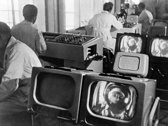 Gagarin 50 χρόνια (2)