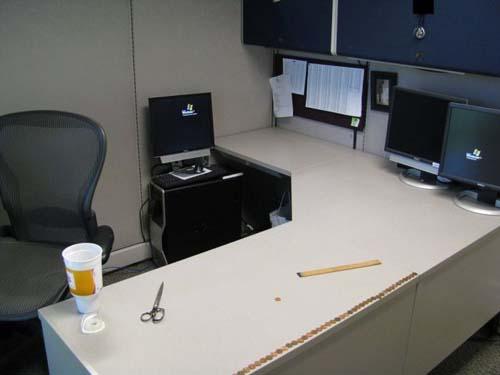Κάποιος έχει πολύ ελεύθερο χρόνο στο γραφείο... (Photos) (2)