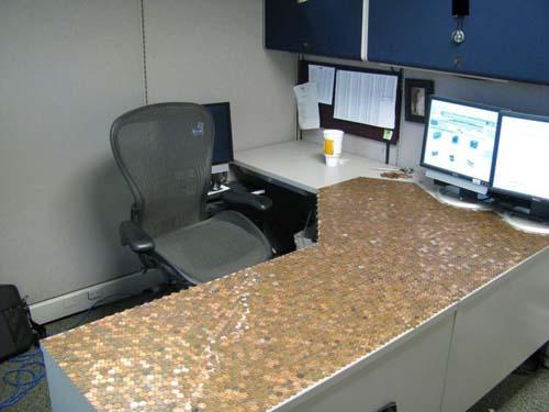 Κάποιος έχει πολύ ελεύθερο χρόνο στο γραφείο... (Photos) (8)