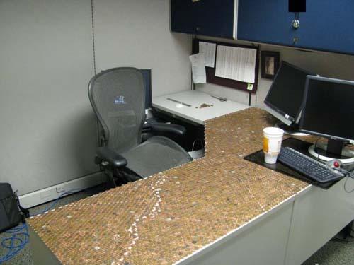 Κάποιος έχει πολύ ελεύθερο χρόνο στο γραφείο... (Photos) (10)