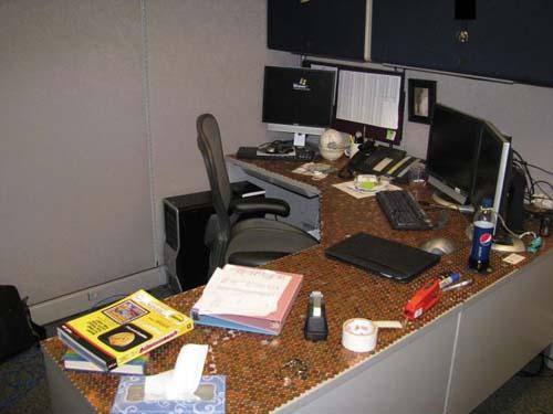 Κάποιος έχει πολύ ελεύθερο χρόνο στο γραφείο... (Photos) (14)