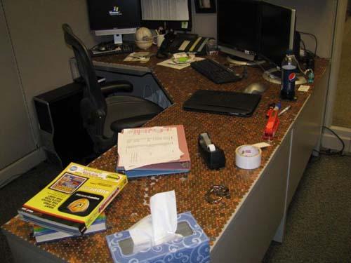 Κάποιος έχει πολύ ελεύθερο χρόνο στο γραφείο... (Photos) (15)