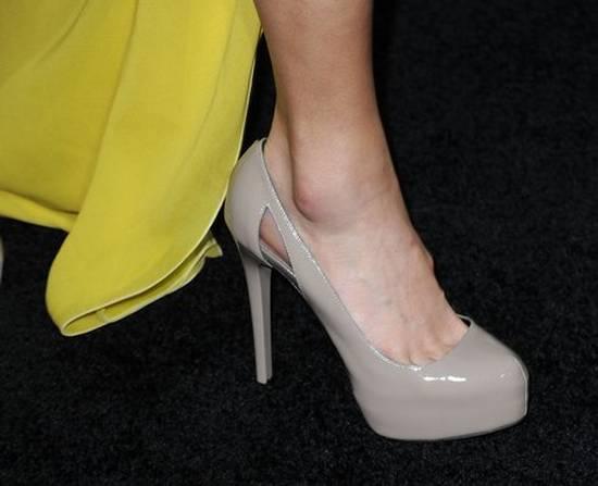 καυτά παπούτσια (1)
