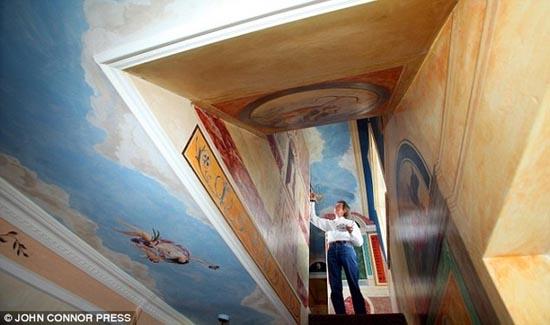 Έκανε αναπαράσταση του Sistine Chapel σε κάθε δωμάτιο του σπιτιού του (3)