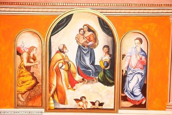 Έκανε αναπαράσταση του Sistine Chapel σε κάθε δωμάτιο του σπιτιού του (4)