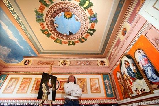 Έκανε αναπαράσταση του Sistine Chapel σε κάθε δωμάτιο του σπιτιού του (5)