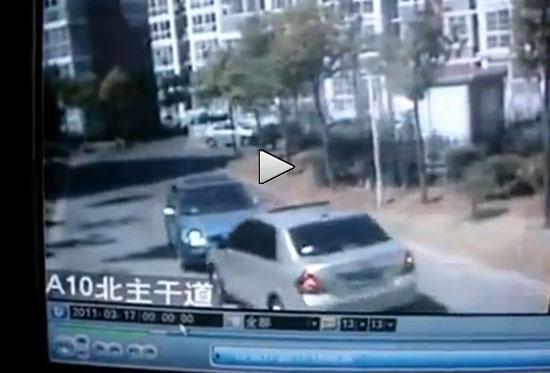 Απίστευτο περιστατικό με δύο γυναίκες οδηγούς