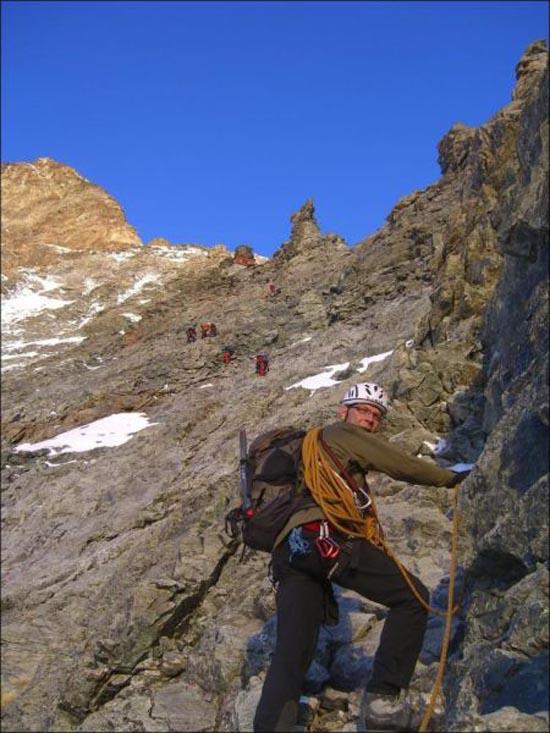 Εκπληκτική καλύβα στο βουνό (3)