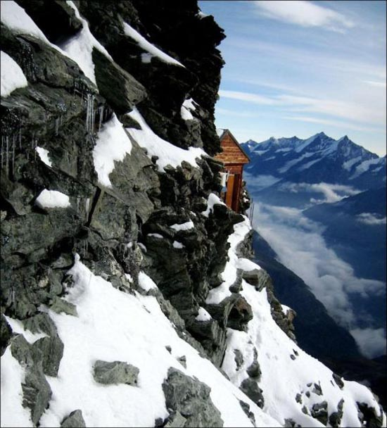 Εκπληκτική καλύβα στο βουνό (4)