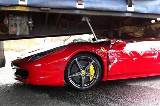 Πως να καταστρέψετε μια Ferrari (4)