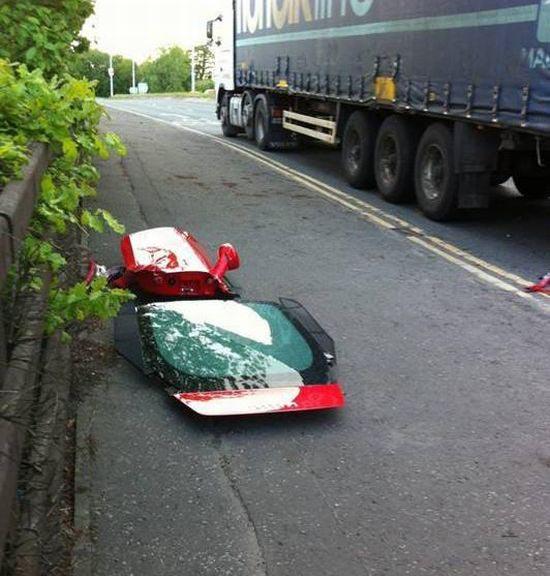 Πως να καταστρέψετε μια Ferrari (5)