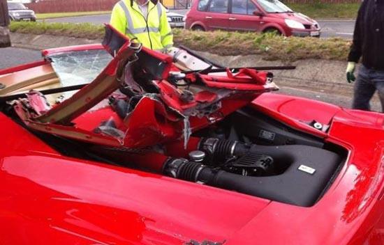 Πως να καταστρέψετε μια Ferrari (6)
