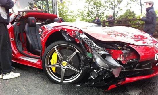 Πως να καταστρέψετε μια Ferrari (8)