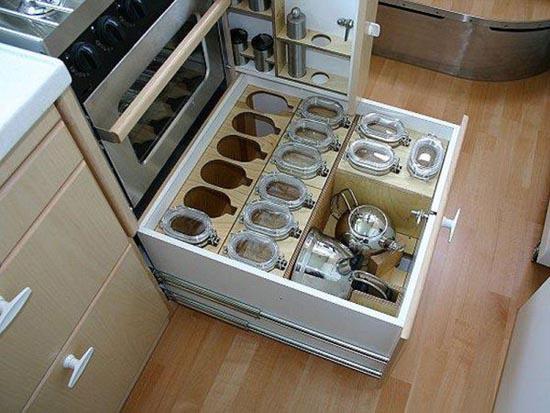 Απίστευτη μετατροπή σκουπιδιάρικου σε σπίτι (7)