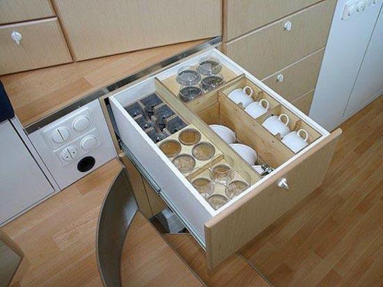Απίστευτη μετατροπή σκουπιδιάρικου σε σπίτι (8)