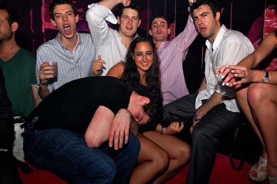 Μεθυσμένοι σε αστείες φωτογραφίες (20)