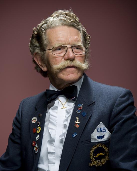 Τα πιο παράξενα μουστάκια και μούσια του κόσμου (1)