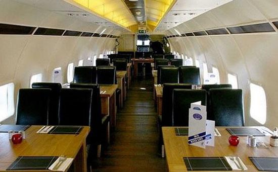 Πολυτελές εστιατόριο σε αεροπλάνο