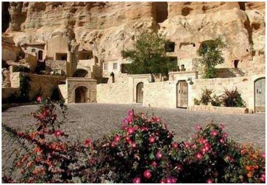 Ξενοδοχείο σε σπηλιά (3)