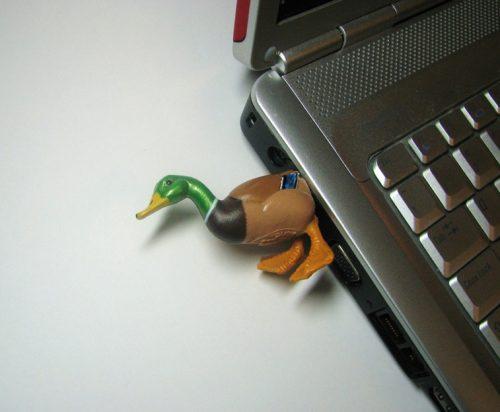 Παράξενα USB Sticks (8)