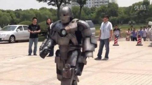 Πήγε στη δουλειά με αυτοσχέδια στολή Iron Man (9)