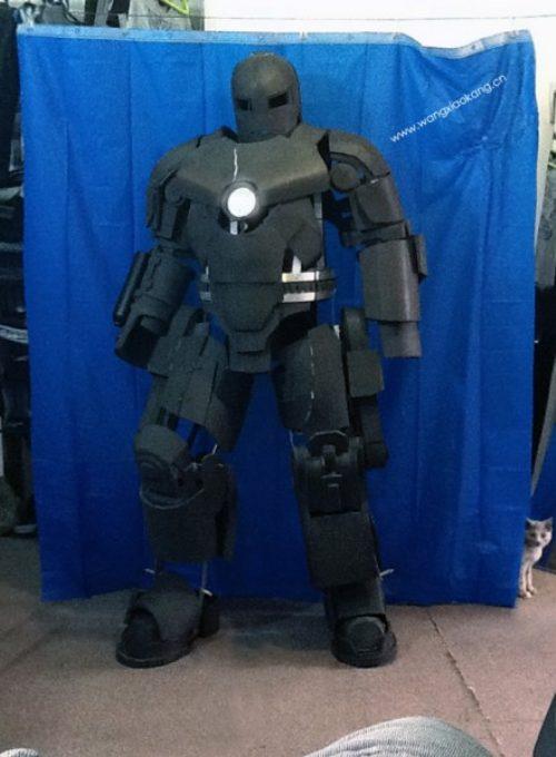 Πήγε στη δουλειά με αυτοσχέδια στολή Iron Man (15)